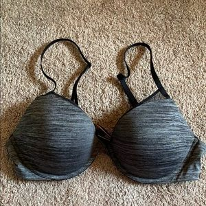 Victoria's Secret Padded Plunge Bra38C Never Worn